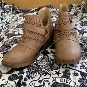 Light brown ankle boots Jellypop 5.5